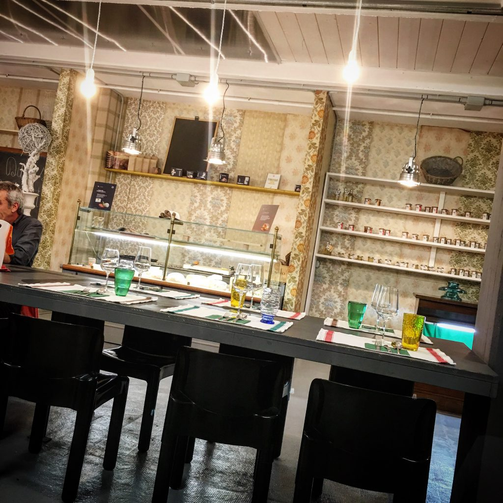mangiare a manovella,ristorante,osteria ,satura, Lucca,ex fabbrica,