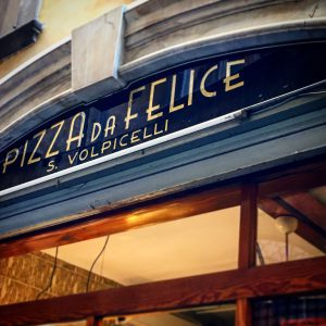 Pizzeria da Felice, Mangiare a manovella, Lucca, 9