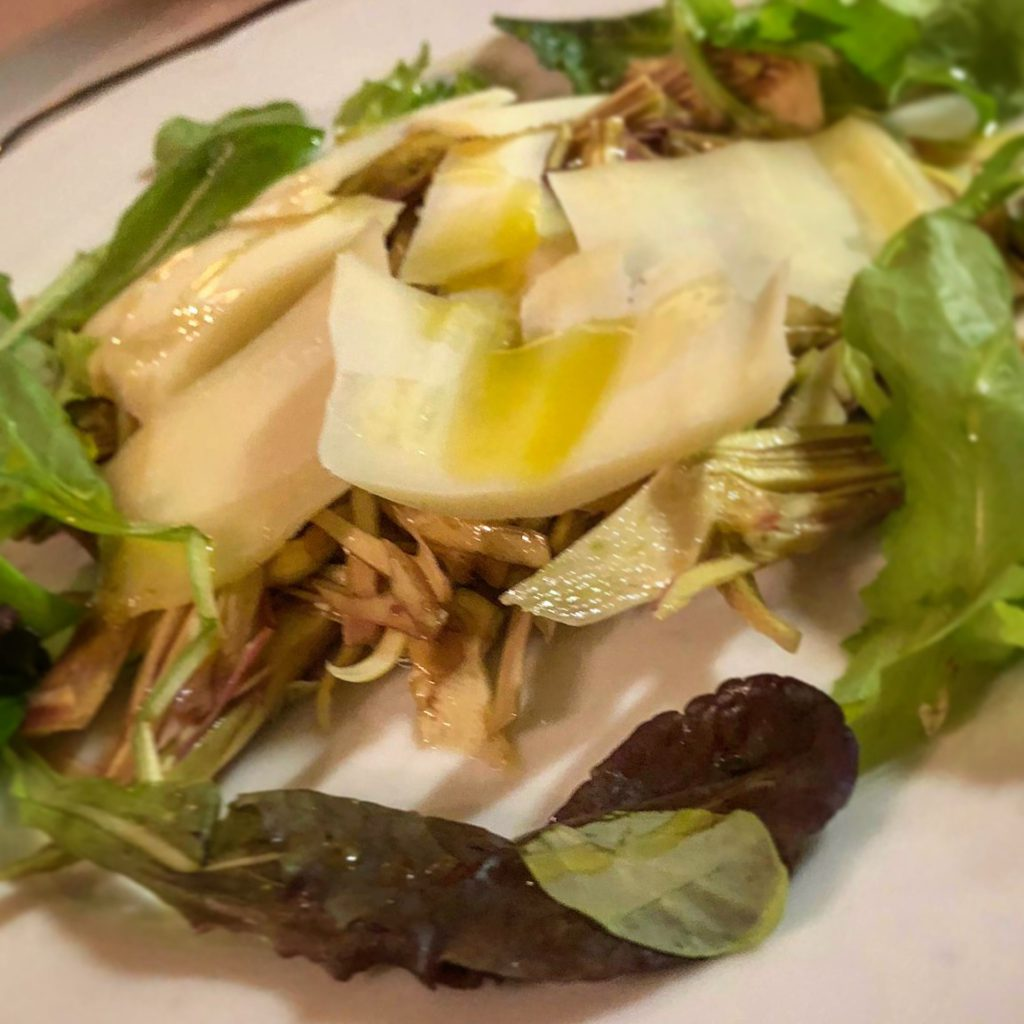 Lasagnette bianche al ragù di Scorfano e Gallinella con Fiori di Zucca e ciliegino.