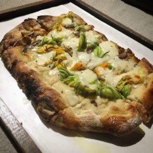 Pizza e Champagne, Agosto 2019, Villa del Dottore, Mangiare a Manovella, Bonci Pizzarium Lucca
