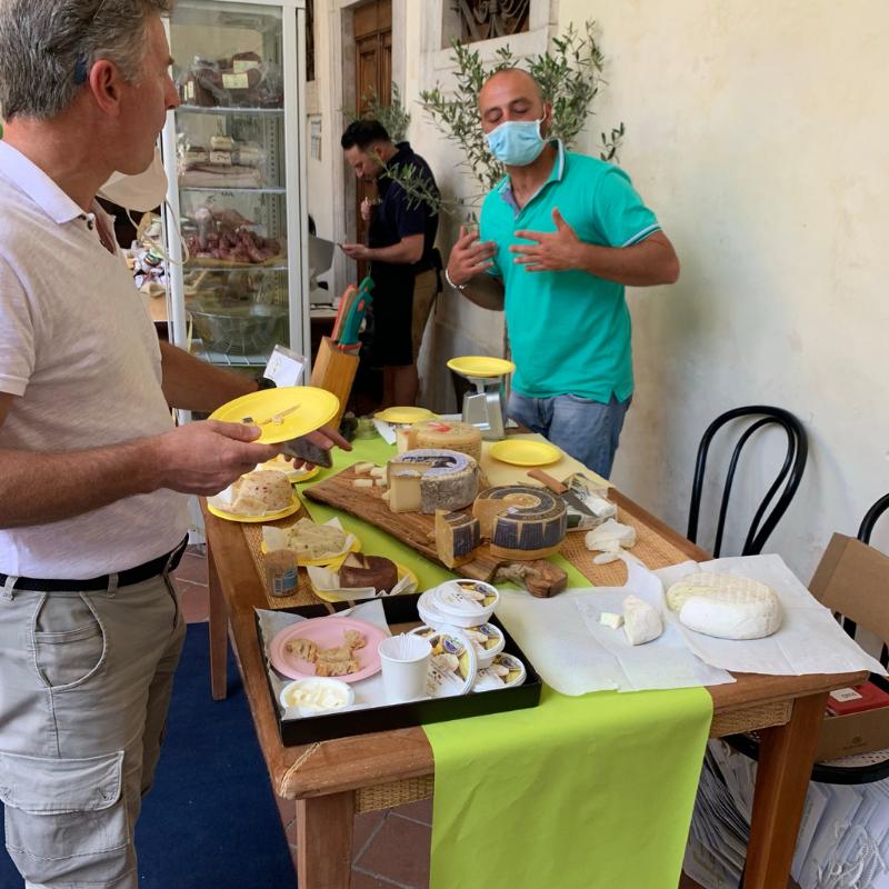 Maestrod'olio in Pietrasanta - Mangiare a manovella