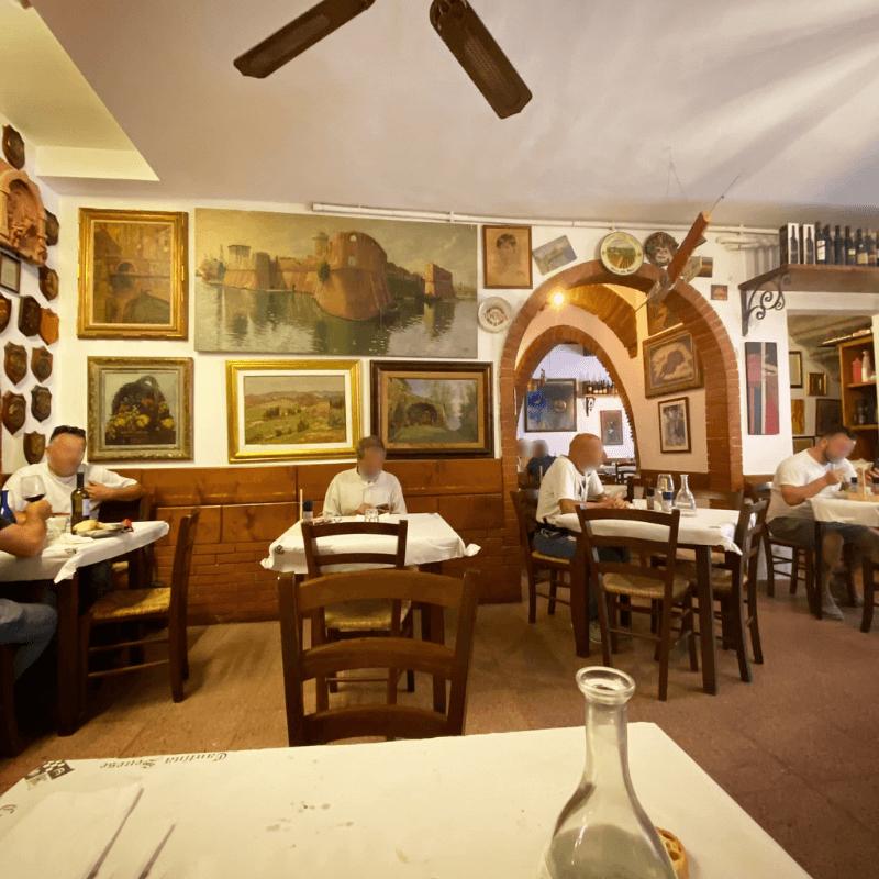 Cantina Senese, Livorno, Mangiare a manovella